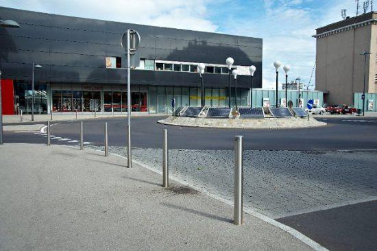 Poller RUND Basis-Design - Bahnhof Wels