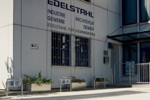 Parkplatzbügel - technometall EDELSTAHL